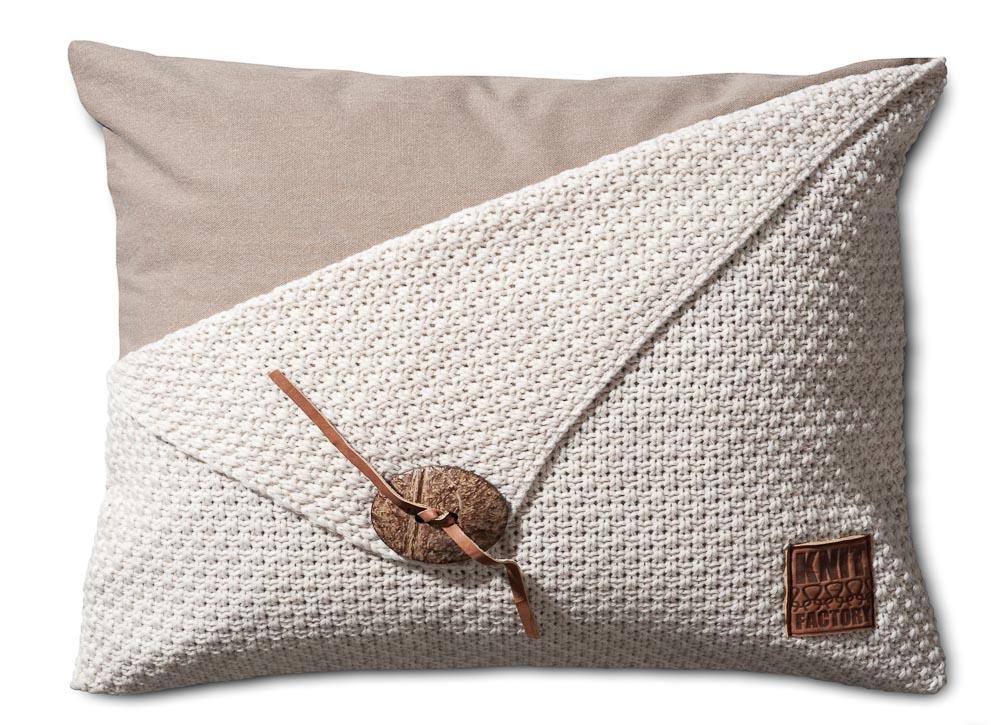 knit factory gebreid kussen gerstekorrel beige 60x40