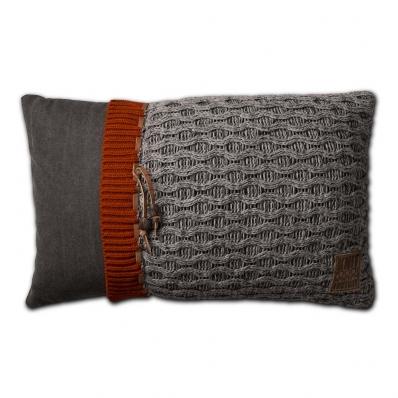 Knit Factory gebreid kussen 50x50 Joep lichtgrijs mele