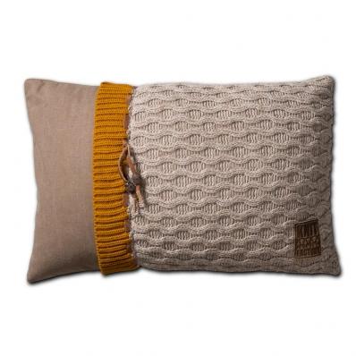 Knit Factory gebreid kussen 60x40 Joep beige mele