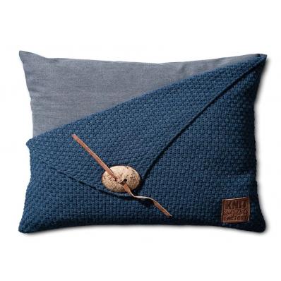 Knit Factory gebreid kussen 50x50 Barley