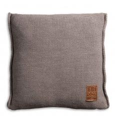 Knit Factory gebreid kussen uni taupe 50x50